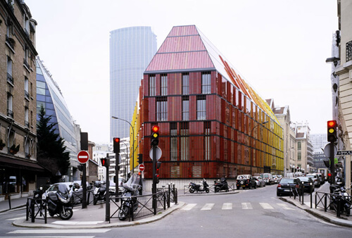 2. Novancia Business School Paris – Paris, France